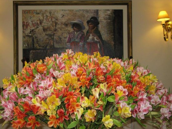 El Cabildo: composizione floreale all'ingresso