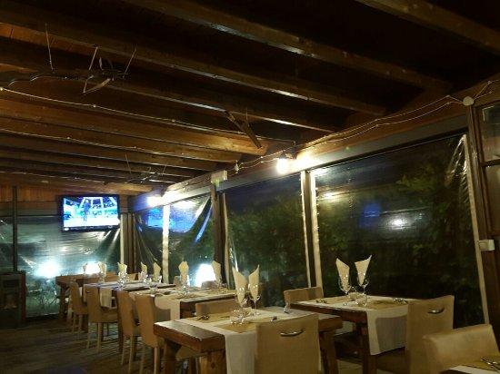 Montone, Italia: 20160922_194638_large.jpg