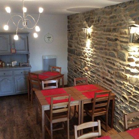 Courtils, France: Salle à manger