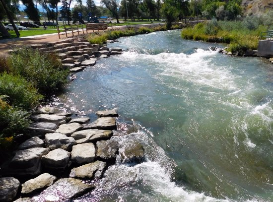 Montrose, CO: A nice walking path next to the river