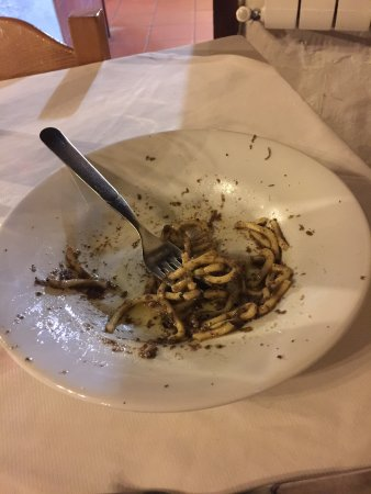 Valtopina, Italia: pasta fatta in casa con il tartufo