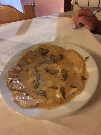 Valtopina, Italia: maialino al tartufo