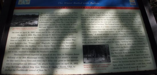 Newport News, فيرجينيا: Historical Marker Near Visitor Center