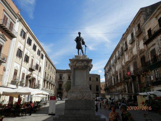 Statua di Carlo V