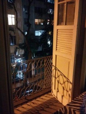 Art Hostel Rio: vista a partir de um dos quartos de frente