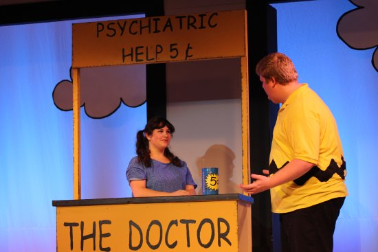 Williamstown, Кентукки: The Doctor is in with Emily Tortorella and Jacob Siedenberg