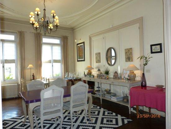 La Roche Chalais, France: Salle à manger