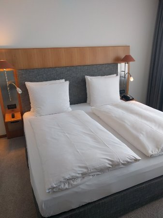 The Mandala Hotel: IMG_20160923_050258_large.jpg
