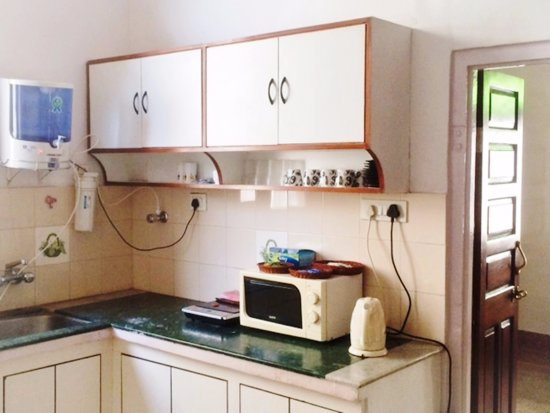 Bhola Bhawan Bed and Breakfast : Kitchenette