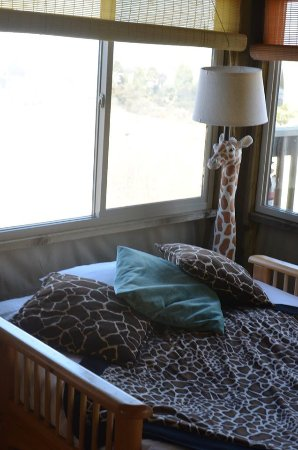 Vision Quest Safari Bed U0026 Breakfast: Our Giraffe Manor Had Lots Of Cute  Giraffe Decor