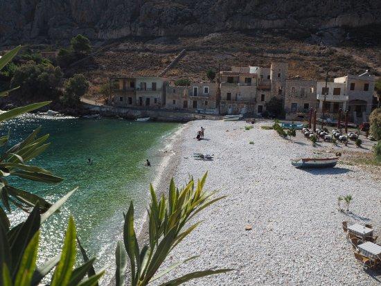 Gerolimenas, Grecia: Sehr authentisches Haus, wird offensichtlich in der Mehrzahl von Einheimischen besucht