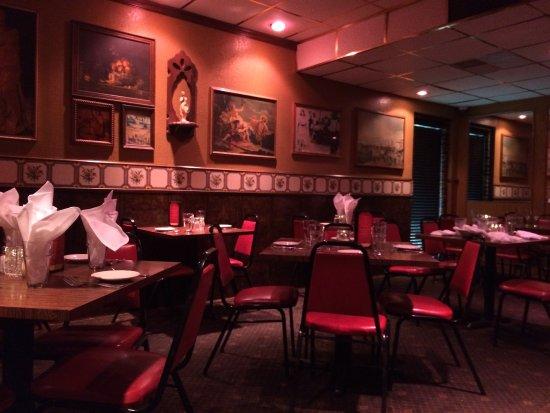 Anthonys Restaurant Lounge Classic Italian Decor