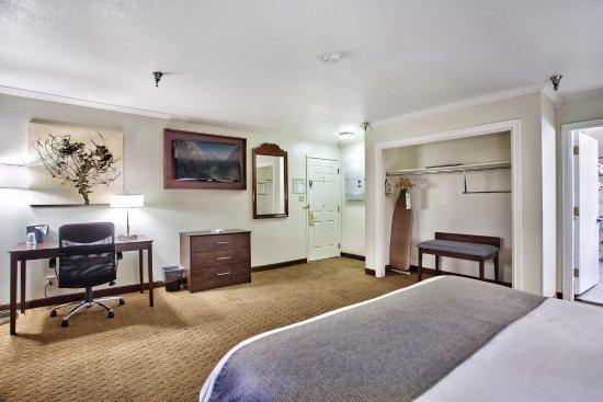 Springville, UT: King ADA Accessible Guestroom