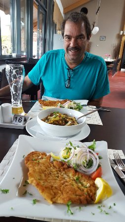 Pinneberg, Alemania: Restaurant & Lounge Liness