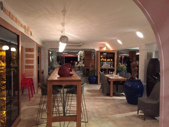 Frontignan, France : l'entrée