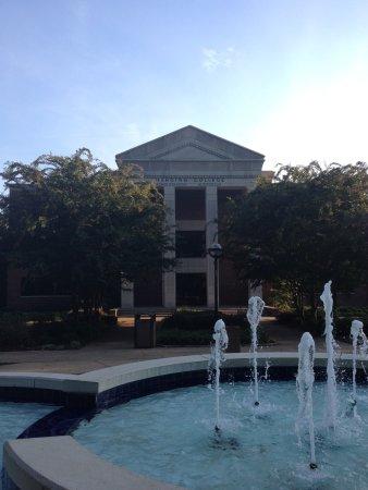 Searcy, AR: Harding University