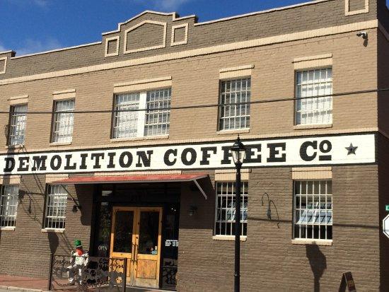 Petersburg, فيرجينيا: Demolition Coffee in Petersburg, VA