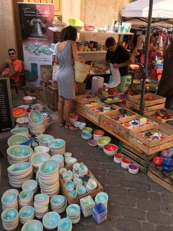 Santanyi, Espagne : Puesto cerámica