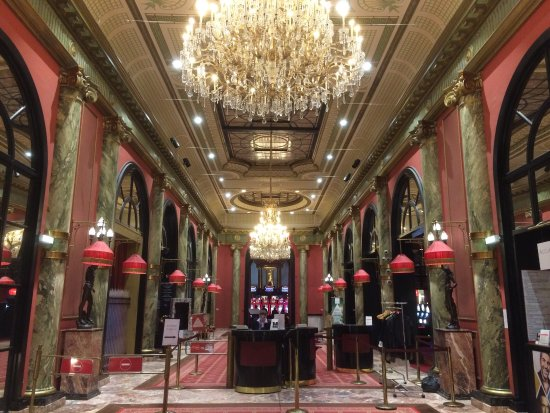Motor city casino deluxe king huoneen ariana grande