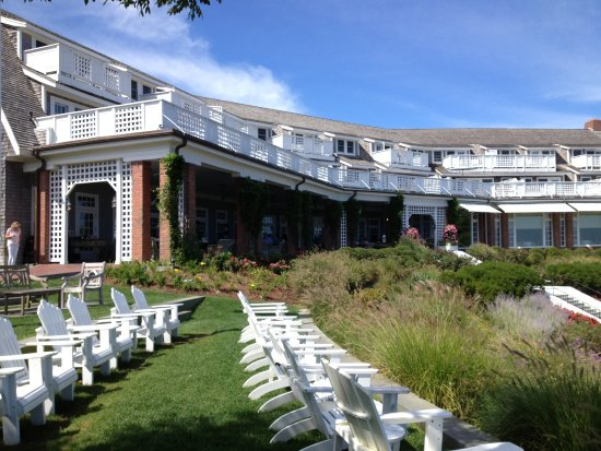 Chatham Bars Inn Resort - Dining: The Chatham Bars Inn Veranda