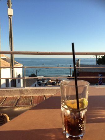 Vila do Bispo, Portugal: Drink and snack bar with a nice terrace halfway up the hill from the beach. A relaxing place to