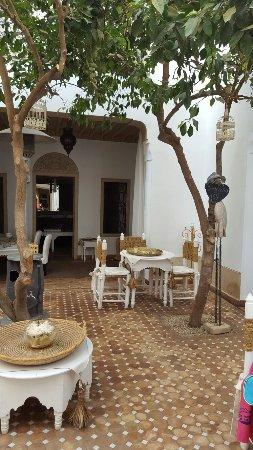 Riad les Orangers d'Alilia Marrakech: 20160922_171930_large.jpg
