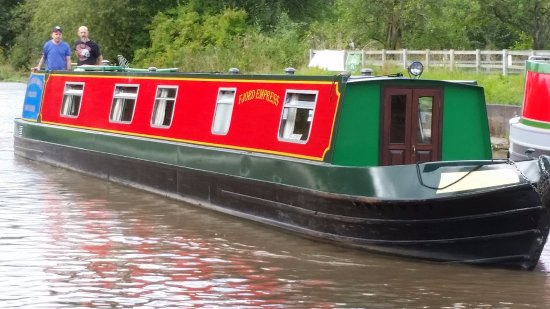 Middlewich, UK: Straight out of the boat yard and away