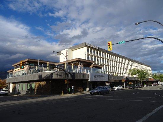 Hotel 540: Hotel from street corner