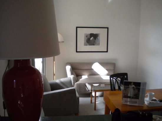 Parkhotel Laurin: stanza 422 salottino