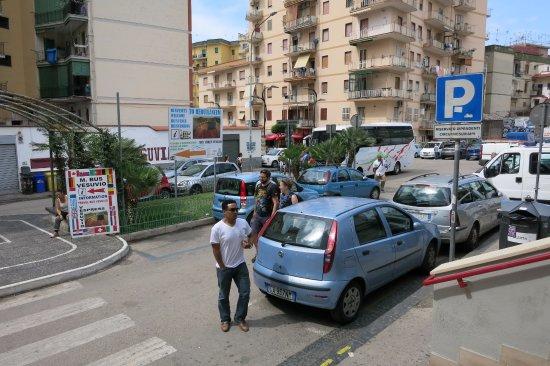 Ercolano, Italia: и направо стоянка автобуса