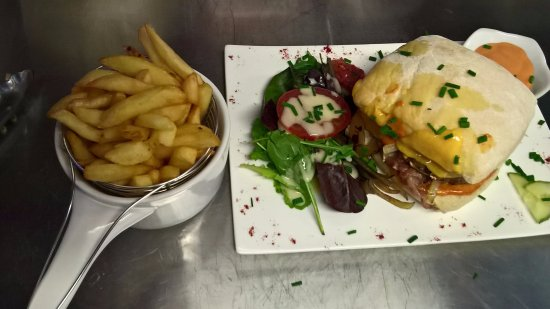 Bourbourg, Francia: Burger du Rétro