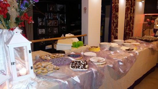 Vitulazio, إيطاليا: Buffet di dolci