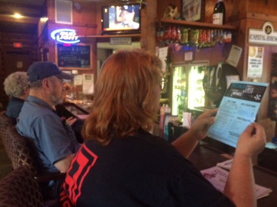 Barneveld, WI: Ordering at the bar