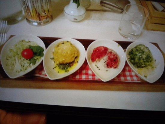 Wirtshaus Vögele: canederli ..ai formaggi.rape rosse,e spinaci con insalata di cavolo cappuccio