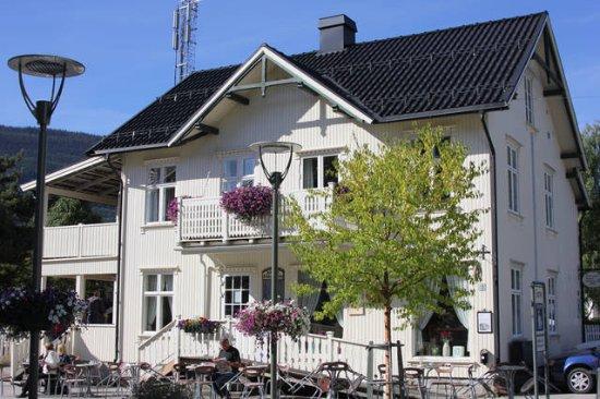 Jonsgard Seng & Frokost B&B: Jonsgård seng&frokost i gågata i Langsbyen Ringebu