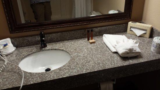 Packwood, Вашингтон: Updated and clean Bathroom