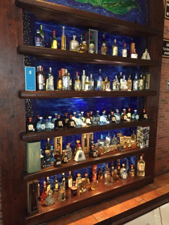 Luxury Liquor Glass Display Cabinet