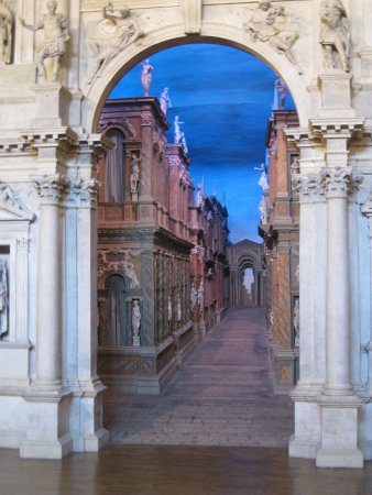 the trompe l 39 oeil picture of teatro olimpico vicenza tripadvisor. Black Bedroom Furniture Sets. Home Design Ideas