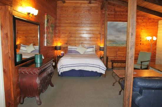 Baywood Park, CA: One of the bedrooms in the Loft