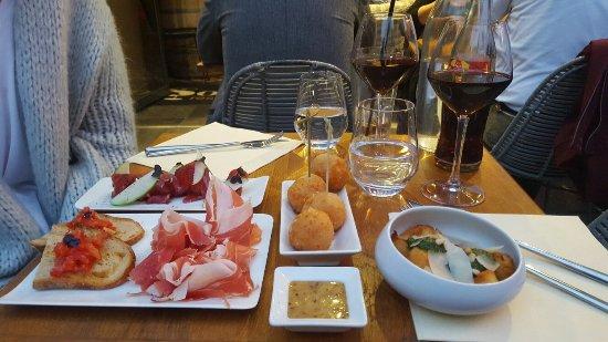 Sourire restaurant & bar - Picture of Sourire Tapas Francaises ...