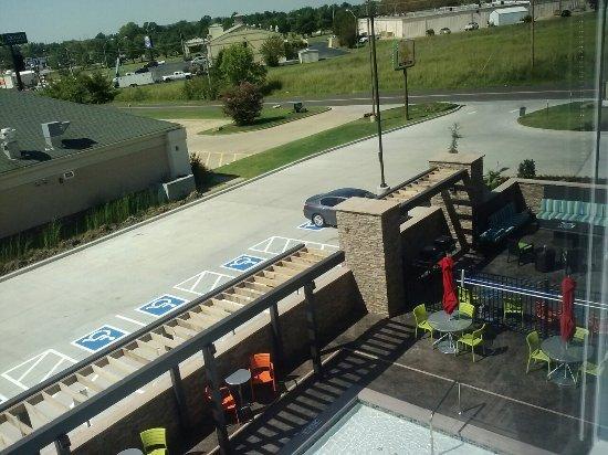 Muskogee, Oklahoma: Poolside view