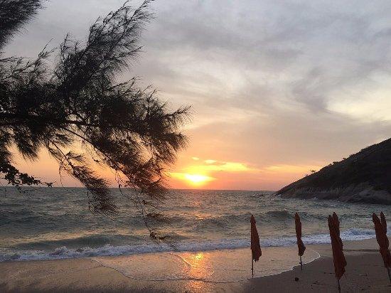 Khao Tao, Thailand: Beach Hotel - Evening