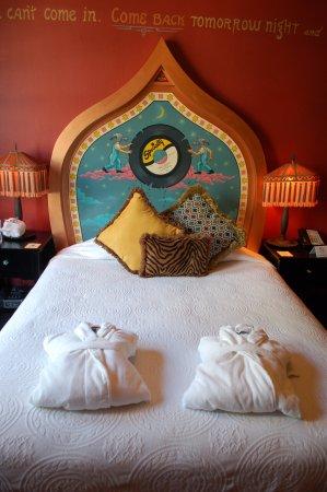 Crystal Hotel: Hotel room