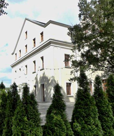 Hotel Zamek Lubliniec: Od zaplecza