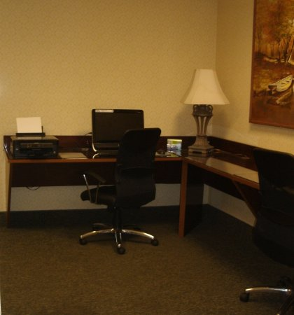 Napoleon, OH: Business Center