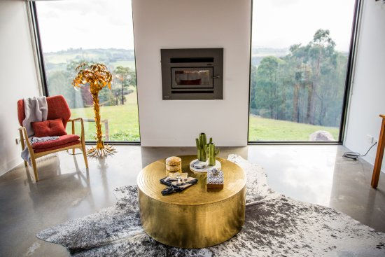 Neerim South, Australia: Views from the Retreat lounge