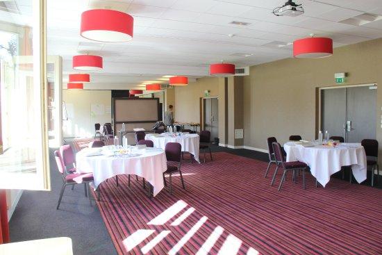 Saulx-les-Chartreux, Francia: Salons pour réceptions ou séminaires de jour