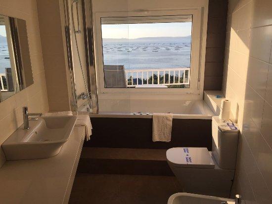 Hotel Mirador Ria de Arosa: baño de habitación panorámica superior