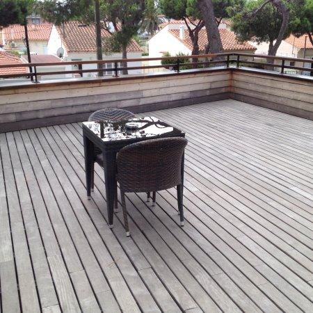Host & Vinum: The large terrasse.