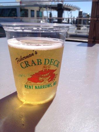 Grasonville, MD: Cerveza junto al embarcadero